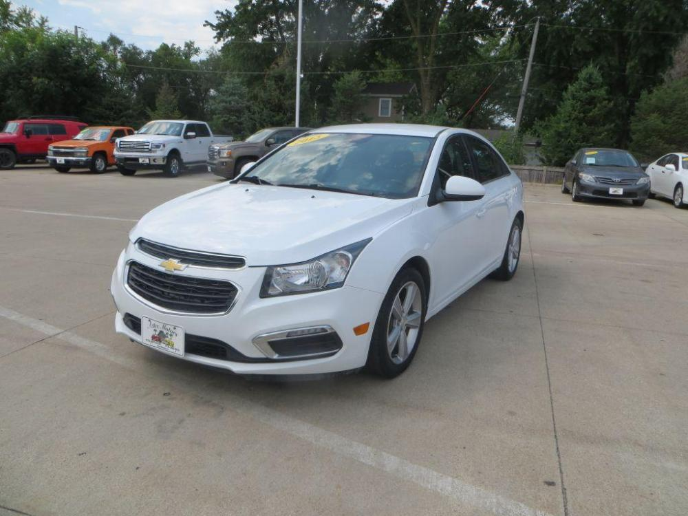 2015 WHITE CHEVROLET CRUZE LT- (1G1PE5SB3F7) with an 1.4L engine, Automatic transmission, located at 908 SE 14th Street, Des Moines, IA, 50317, (515) 281-0330, 41.580303, -93.597046 - Photo #0