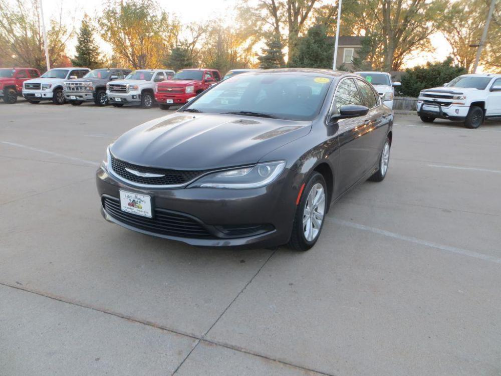 2016 GRAY CHRYSLER 200 LX (1C3CCCFB3GN) with an 2.4L engine, Automatic transmission, located at 908 SE 14th Street, Des Moines, IA, 50317, (515) 281-0330, 41.580303, -93.597046 - Photo #0