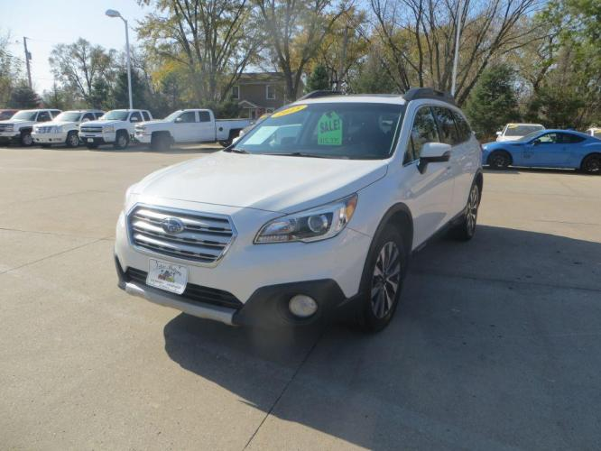 2015 WHITE SUBARU OUTBACK 2.5I LIMITED (4S4BSBLCXF3) with an 2.5L engine, Continuously Variable transmission, located at 908 SE 14th Street, Des Moines, IA, 50317, (515) 281-0330, 41.580303, -93.597046 - Photo #0