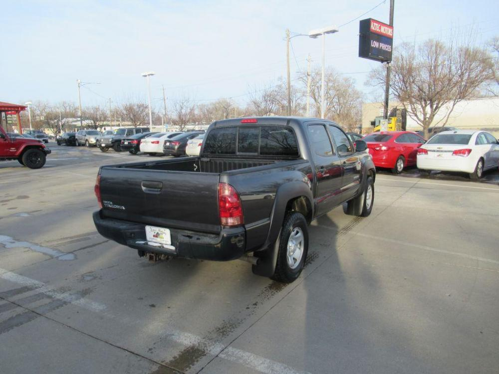 2014 GREY TOYOTA TACOMA DOUBLE CAB PRERUNNER (3TMJU4GN2EM) with an 4.0L engine, Automatic transmission, located at 908 SE 14th Street, Des Moines, IA, 50317, (515) 281-0330, 41.580303, -93.597046 - Photo #18