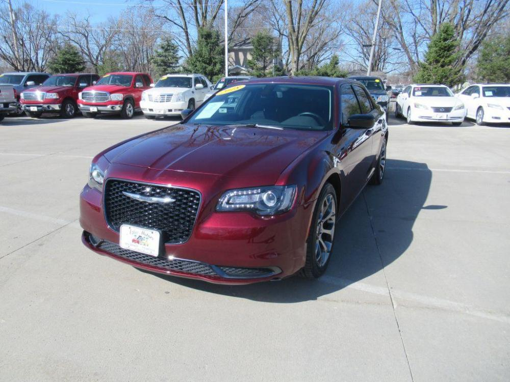 2018 RED CHRYSLER 300 TOURING (2C3CCAAG3JH) with an 3.6L engine, Automatic transmission, located at 908 SE 14th Street, Des Moines, IA, 50317, (515) 281-0330, 41.580303, -93.597046 - Photo #0